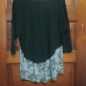 Maurices Tops - Quarter length blouse